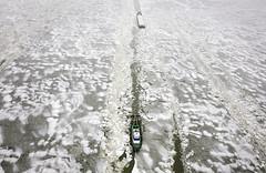 IJSSELMEER-KONVOOIVAART-IJSBREKERS (arslion) Tags: winter snow holland water boot meer bevroren herfst apocalypse nederland natuur route snowfall lage winters luchtfoto ijsselmeer 2010 kou coldest laag ijs weer koud veiligheid schip dienst vorst sfeer scheepvaart seizoen veilig najaar gevaar 2011 sfeerbeeld binnenvaart snowywinter vrachtschip snowpocalypse vrieskou temperatuur shorttime vriezen ongemak regels diensten vaargeul temperaturen natuurverschijnsel winter2010 winterse vrachtvervoer luchtopname dienstensector ijsbrekers weersomstandigheden vaarverbod vaarroute scheepvaartverkeer herfst2010 najaar2010 richtlijnen konvooivaart
