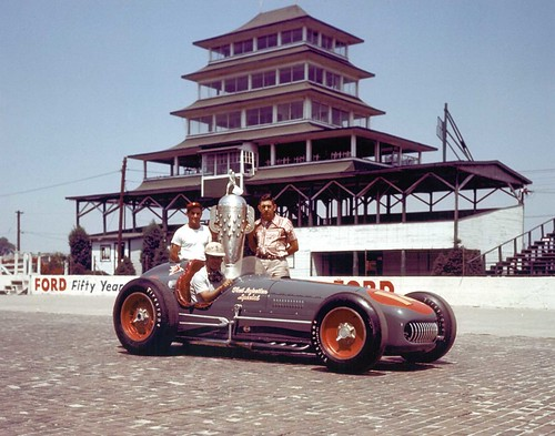 Bill Vukovich Commemorates his 1953 Indianapolis 500 Win