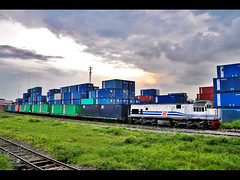 CC 20110 Hauled K.A 1006 Container Train entering Kalimas Station from Tanjung Priuk (Bang Ricki VanDirjo Sepur44) Tags: from station train container cc ka entering tanjung 1006 20110 hauled priuk kalimas