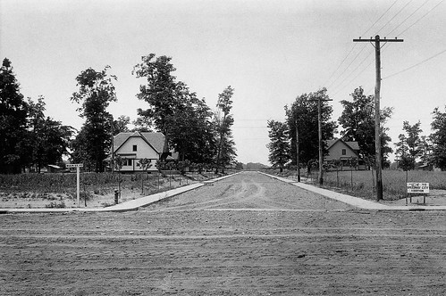 Looking west down 14th street from Main Street circa 1915