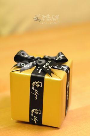 金色外包裝