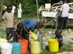 Mutsembi primary school-residents gathering water during Test pumping-1