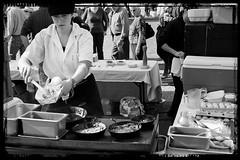 Making Breakfast in the Park (-Dons) Tags: usa breakfast austin farmersmarket tx cook pan republicsquarepark austinfarmersmarket daidue sustainablefoodcenter sfcfarmersmarket