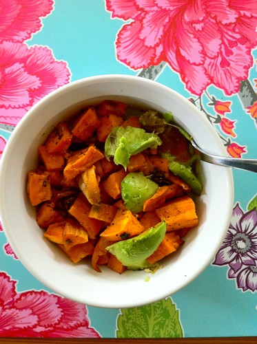 spicy sweet potatoes with avocado