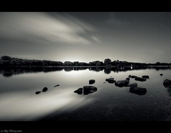 (Le***Refs *PHOTOGRAPHIE*) Tags: longexposure light bw mer white black reflection night stars nikon tripod wideangle nb explore reflet frontpage nuit etoile hdr camargue 1024 mditerrane d90 legrauduroi lerefs