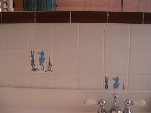 2 Seahorse tiles