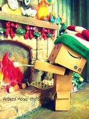 Roasting Marshmellows (Sock Hop Adoption Shop) Tags: christmas holiday asian actionfigure fire japanese robot yum cardboard smores roastingmarshmellows marshmellows posable danbo cardboardrobot revoltech danboard revoltechdanbo