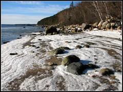 Plage de dcembre (Hlne G) Tags: winter mer hiver bleu plage glace cristaux beacheslandscapes