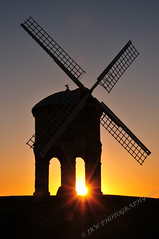 Chesterton Windmill at sunrise (1/52) (JRT ) Tags: wallpaper sky sun cold windmill sunrise nikon niceshot sails freezing sunny flare chestertonwindmill d300s johnwarwood flickrjrt