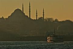 Istanbul (AndreaPucci) Tags: sunset turkey tramonto day istanbul clear traghetto turchia galatabridge newmosque canoneos400 canonef70300mmf456isusm cornodoro pontedigalata moscheanuova andreapucci