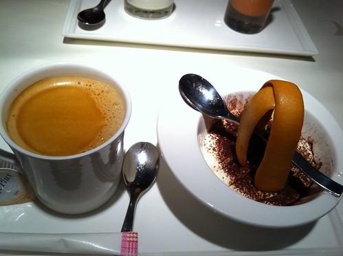 巧克力起司慕斯+熱帶雨林咖啡