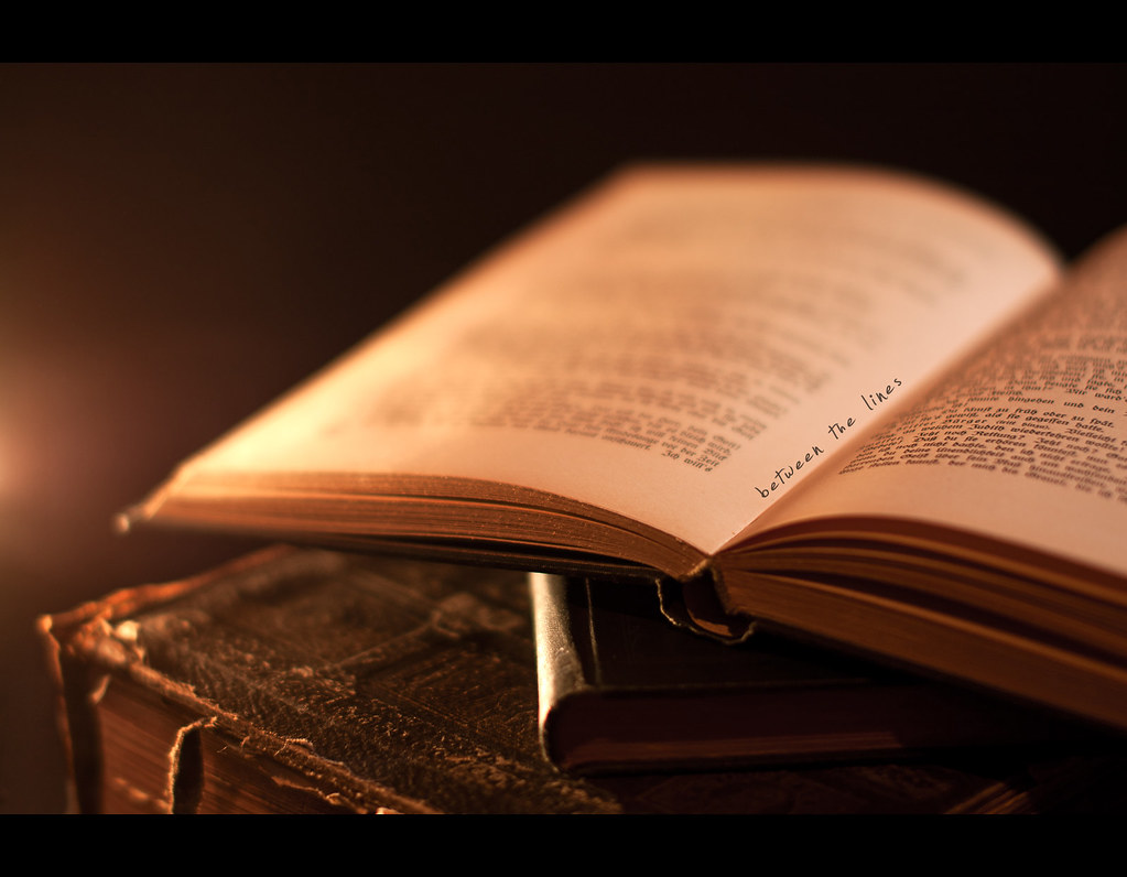 Day 162, 162/365, Project 365, Bokeh, Strobist, ourdailychallenge, ODC, Books, light, candle, candlelight, old books, old, leather, worn, text, old german, light, warm, library, 50mm, Sigma 50mm F1.4 EX DG HSM, leatherbound, binding