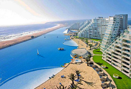 Worlds-largest-swimming-pool_1