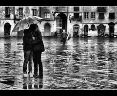 Life (Sante sea) Tags: bw italy kiss italia lucca tuscany toscana bacio gennaio2012challengewinnercontest