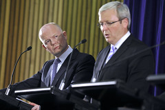 William Hague and Kevin Rudd during AUKMIN talks, 2011 (UK in Australia) Tags: unitedkingdom sydney stephensmith foreignminister williamhague kevinrudd hmaswatson defenceminister liamfox secretaryofstateforforeignandcommonwealthaffairs secretaryofstatefordefence aukmin