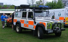 4887 - LR - N25 USH - 194 (Call the Cops 999) Tags: uk gb united kingdom great britain england 999 112 emergency service services vehicle vehicles rescue land rover defender surrey lowland team 4x4