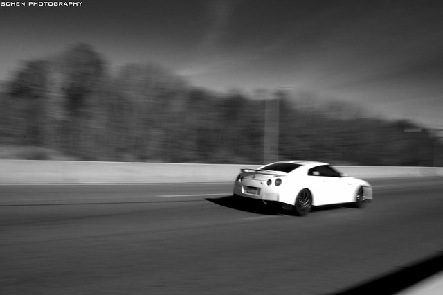 Nissan GT-R take off