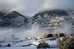 El Forn, Canillo (Marjolaine) Tags: snow day hiver neige andorra dcembre andorre canillo elforn