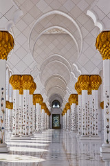 Sheikh Zayed's arches (modenadude) Tags: light shadow sun white 3 hot art love field architecture composition canon gold design is photo big dof muslim islam capital prayer uae wide grand arches courtyard mosque row palm aisle zayed arab adobe shade usm marble date friday adore emir sheikh unitedarabemirates infinite depto masjid lightroom 1755 emirati admire juma 550d masgid t2i