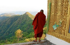 Prayer for Antonia (io747) Tags: colour gold burma prayer religion monk myanmar mountail dedicatedphoto estremit