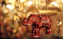 Bokeh Elephant (mutti2leif) Tags: christmas red elephant market bokeh decoration nurnberg challengegamewinner thechallengefactory