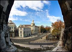 Nimes dende Les Arenes (Zagato Burela) Tags: ventana ciudad nimes anfiteatro arenes