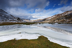 Ice Flakes (Tommaso Renzi) Tags: parco lago abruzzo nazionale gransasso montidellalaga parconazionaledelgransassoemontidellalaga pietranzoni lagopietranzonicampoimperatore