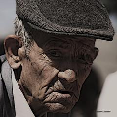 Vejez (Jose Casielles) Tags: solo soledad anciano abuelo tiempo yecla vejez arrugas fotografíasjcasielles