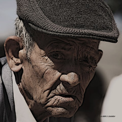 Vejez (Jose Casielles) Tags: solo soledad anciano abuelo tiempo yecla vejez arrugas fotografasjcasielles