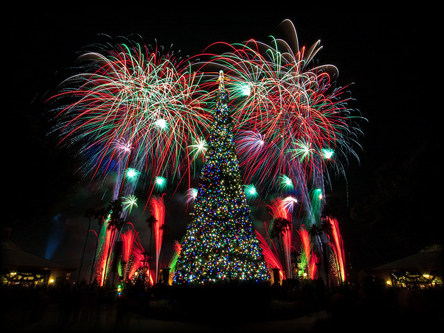 EPCOT - IllumiNations - Peace on Earth Finale [Explore/Front Page]