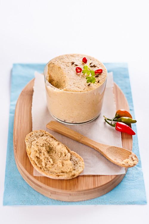 Hummus di germogli di ceci
