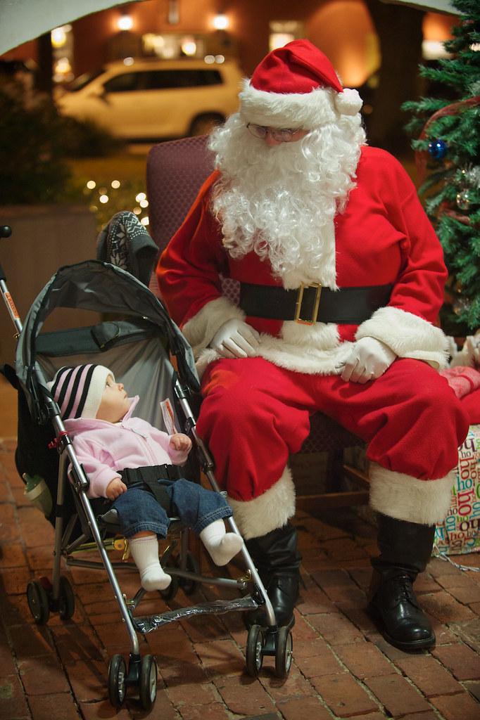 [346/365] Sizing Up Santa