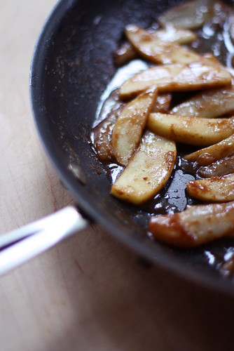 apples with brown sugar and cinnamon