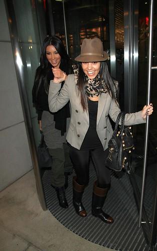 kardashian-move-100310-6