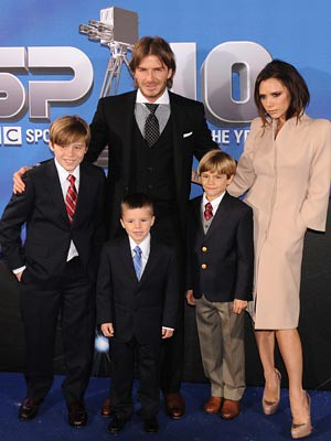 victoria beckham and david beckham kids. David and Victoria Beckham