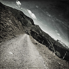 trail & alps (dongga BS) Tags: mountains texture 1 schweiz switzerland berge alpen f28 quadratisch graubnden canoneos50d geocity 1116mm camera:make=canon exif:make=canon exif:iso_speed=100 tokinaatx116prodx camera:model=canoneos50d exif:focal_length=16mm geostate geocountrys exif:model=canoneos50d exif:aperture=63