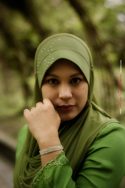 Green Kebaya-Lady'd
