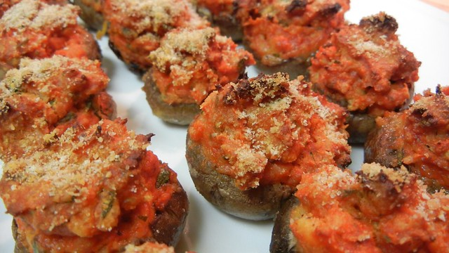 Pizza Stuffed Mushrooms