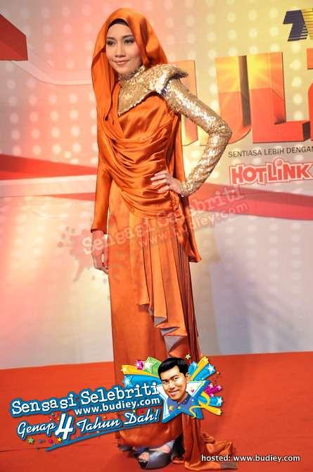 Gambar Yuna di Karpet Merah Anugerah Juara Lagu 25