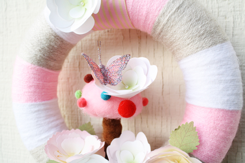 *Soft Spring* Wreath (close)