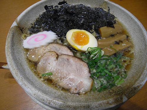モッチリ太麺が美味『越後秘蔵麺 無尽蔵』@橿原アルル