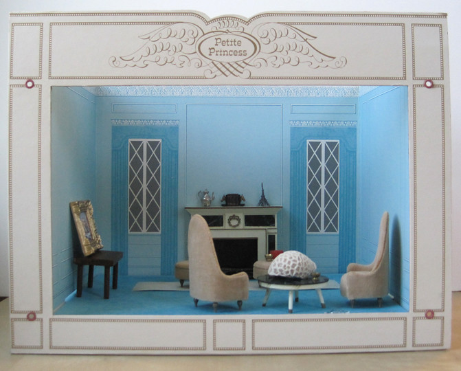 blue room box with ice cream scene