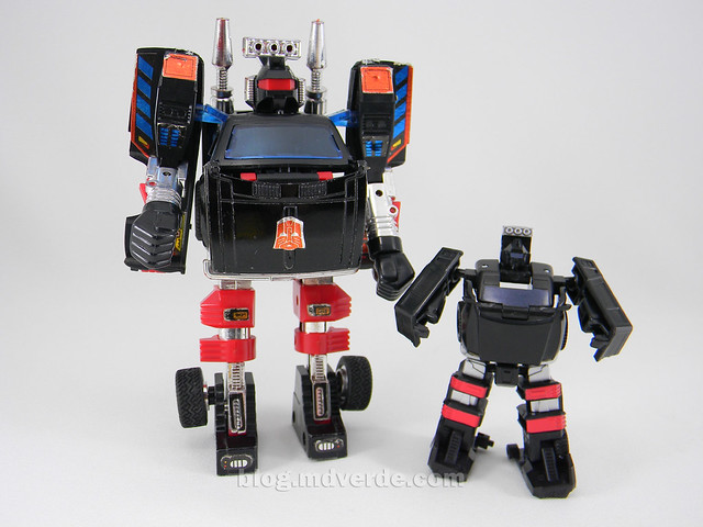 Transformers Trailcutter Reveal the Shield Legends - modo robot vs G1