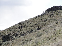 Heading down Yakima Skyline trail. Looking up to hikers I passed.
