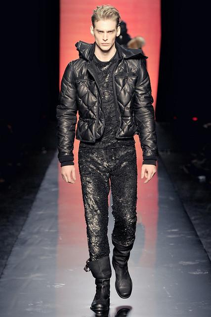 Jeremy Dufour3238_FW11_Paris_Jean Paul Gaultier(VOGUEcom)