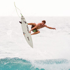 Afternoon Air (konaboy) Tags: hawaii surf afternoon surfer air surfing bigisland kona torrey kailuakona 4327 banyans