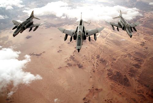 [フリー画像] 乗り物, 航空機, 戦闘機, F-4 ファントム II, アメリカ空軍, 201103042300