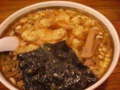 亀ちゃん食堂「ワンタン麺」(670円)