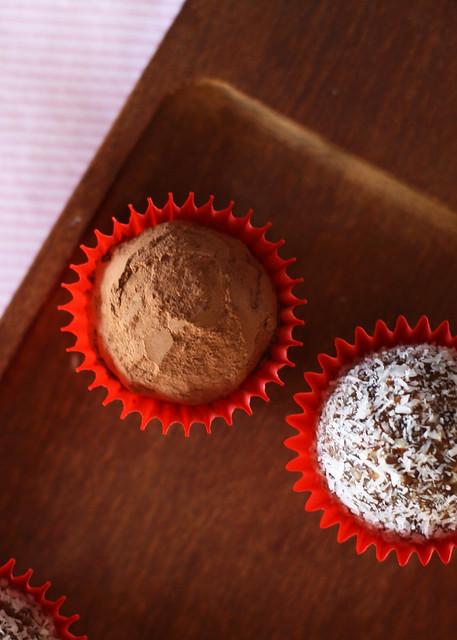 Gluten Free Scallywag_date almond truffles_3