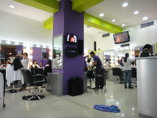 benefits-salon interior
